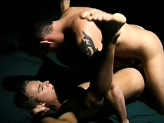 Horny gay lady's man spreads his feet to enjoy the deep anal penetration