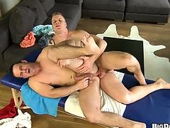 Bear has his Victorian ass ripped by a hung jock's big oily schlong