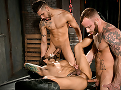 Derek Parker & FX Rijos & Draven Torres alongside Secondary to My Facing 2, Scene 01 - HotHouse